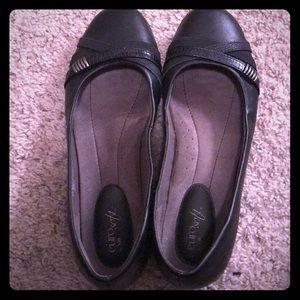 Shoes - Women's Euro Soft Black Flats Size 11